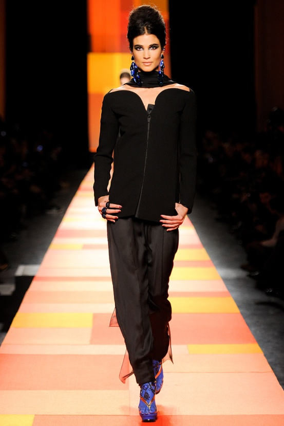 jean-paul-gaultier-couture-spring-2013-11_133557155783