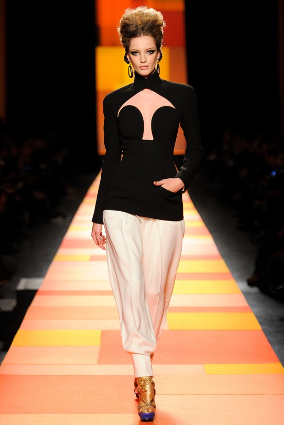 jean-paul-gaultier-couture-spring-2013-13_133558583321