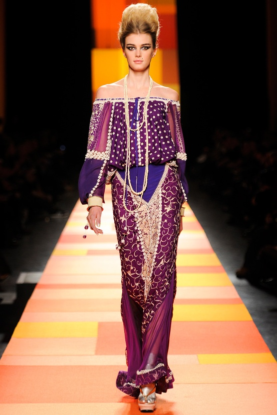 jean-paul-gaultier-couture-spring-2013-19_133602558683