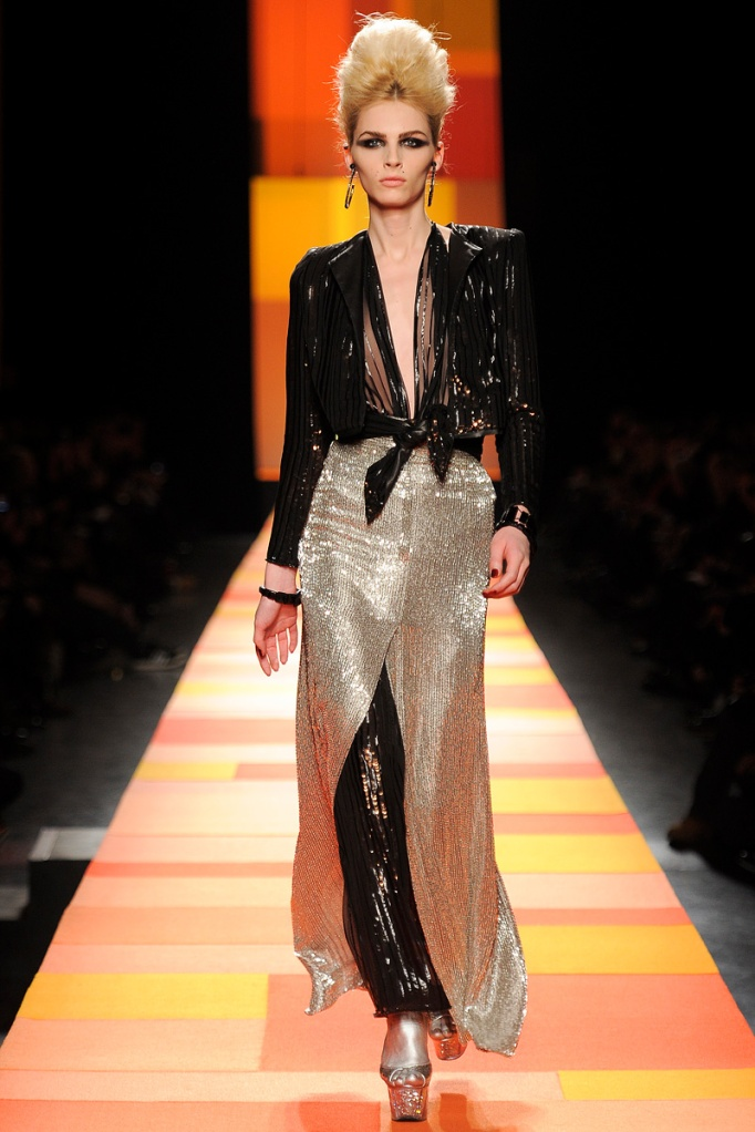 jean-paul-gaultier-couture-spring-2013-26_133607409981