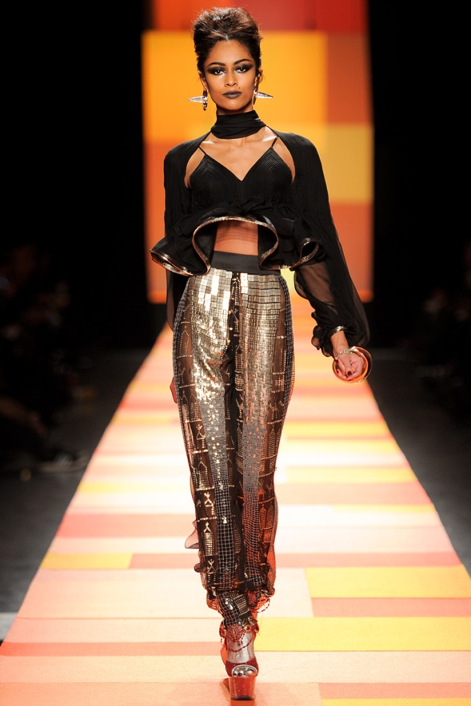 jean-paul-gaultier-couture-spring-2013-27_133608598514
