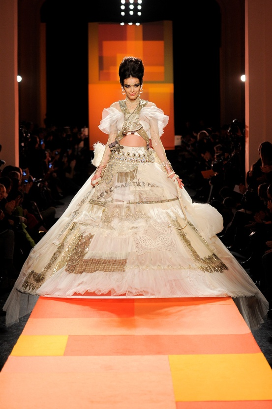 jean-paul-gaultier-couture-spring-2013-45_13362183804